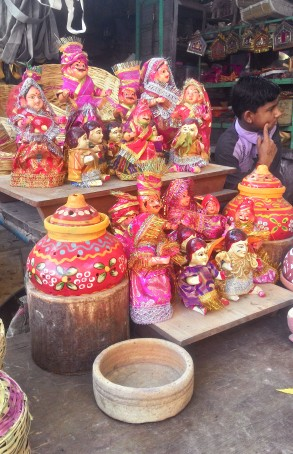 Shop selling colourful idols of Gangaur, Jodhpur. Photograph Courtesy: Sushmit