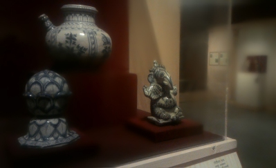 Display of Jaipur Blue pottery, National Museum, New Delhi.